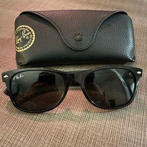 Ray-Ban Black RB2132 Wayfarer Black Sunglasses